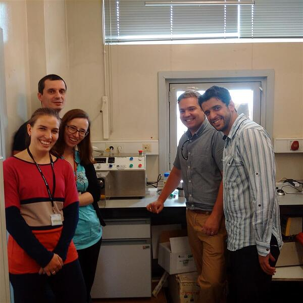 Aaron Quinn working with research staff at the University of Porto Chemical Engineering Department