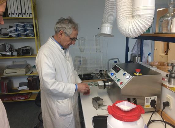Daniel Bar Shalom University of Compenhagen working with the Caleva Multi Lab