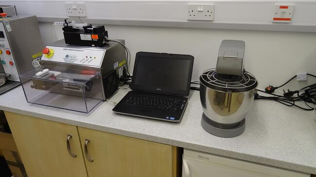 mixer-torque-rheometer-and-bench-top-mixer-used-for-testing-formulation