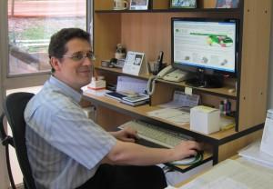 dr-humberto-ferraz-at-his-desk-university-of-sao-paulo_lrg